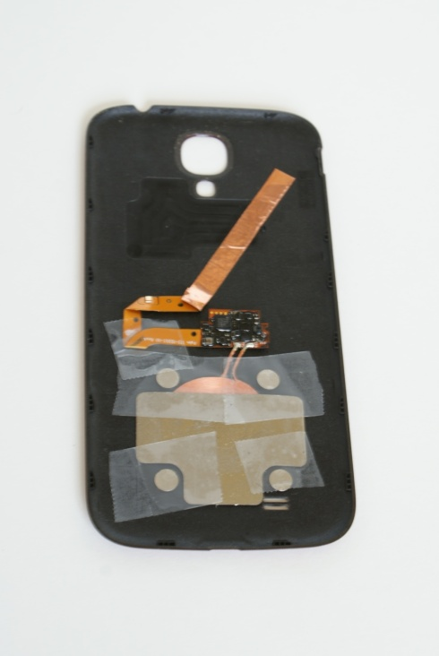 Palm Pixi guts position on S4 backplate