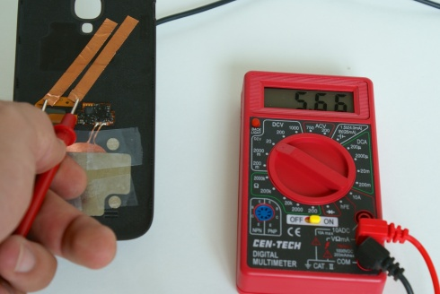 Testing S4 backplate with multimeter